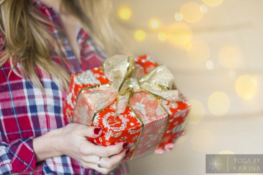 10 Practical Christmas Gift Ideas for a Yogi