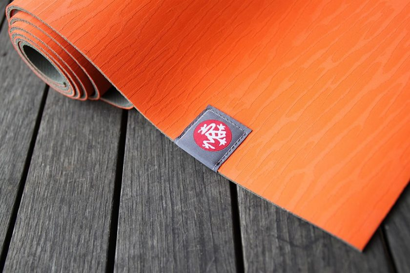 How to Clean a Yoga Mat So That It Lasts Longer